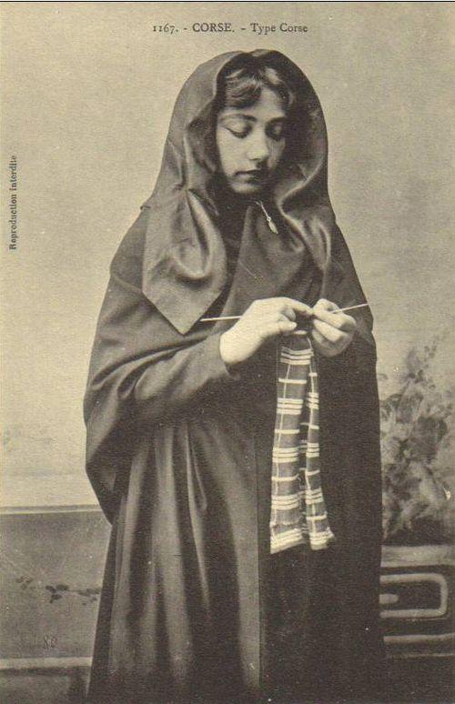 Corsican Knitter 3