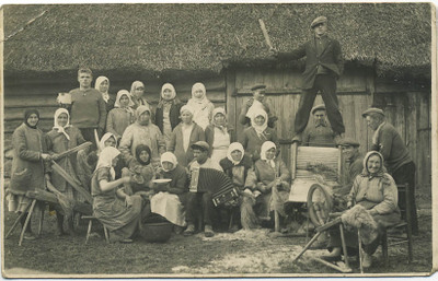 Flax_party_e_european_village_acc_2